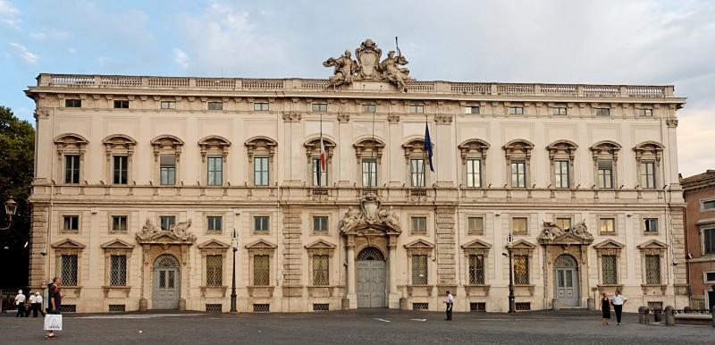 Palazzo_della_Consulta_Roma_2006